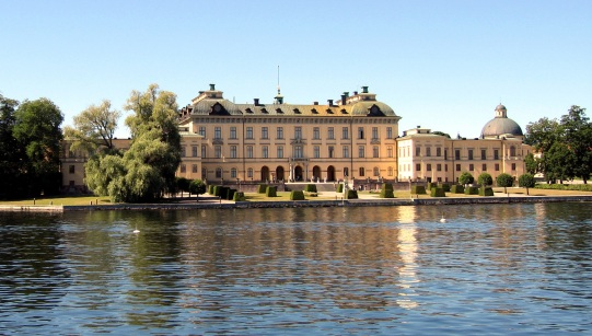 drottningholm-palace-729463.jpg