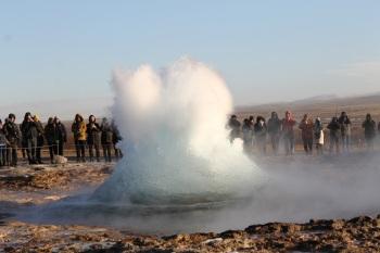 geyser-631612.jpg