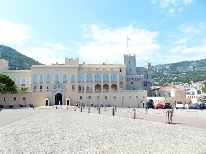 prince-palace-187312_1920.jpg