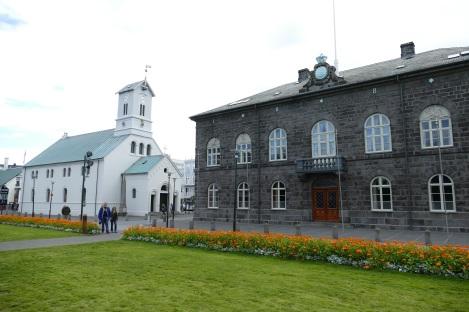 reykjavik-1601342.jpg