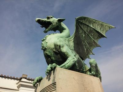 dragon-762166_1920
