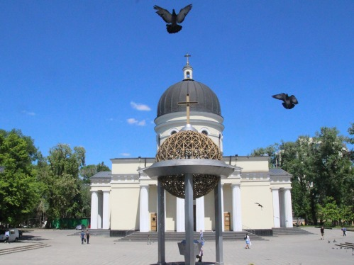 chisinau-2367184_1920.jpg