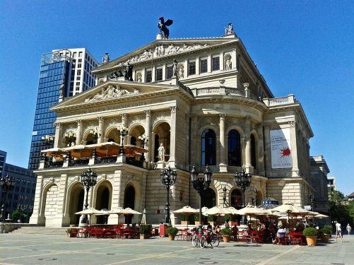 old-opera-165928_1920