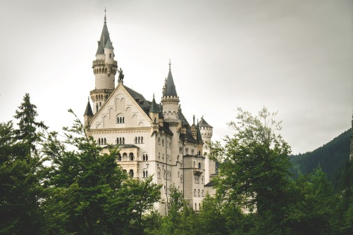 castle-1616988_1920.jpg