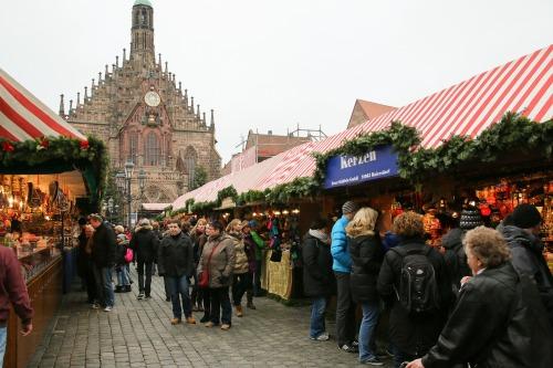 christmas-market-551336_1920.jpg