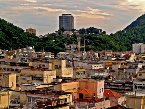 favelas-51318_1920