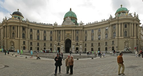 hofburg-imperial-palace-101476_1920