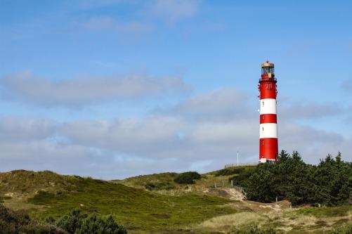 lighthouse-1414835_1920.jpg