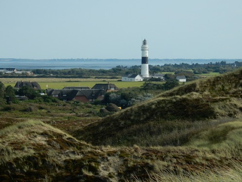 lighthouse-2196217_1920.jpg