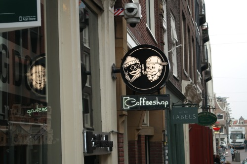 coffee-shop-1119451_1920