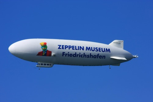 zeppelin-3455227_1920.jpg