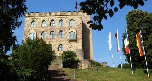 hambach-castle-1234490_1920