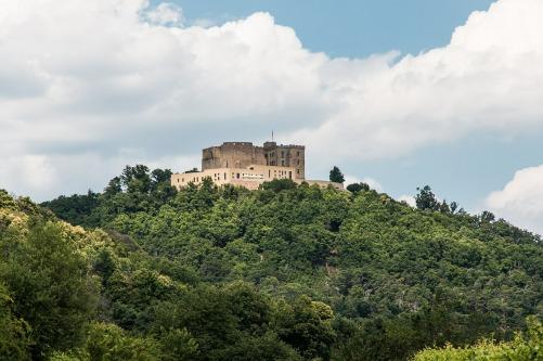 hambach-castle-467510_1920