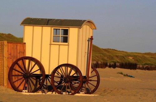 beach-dare-354392_640
